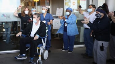 Patient leaves hospital in New York after extended COVID-19 stay