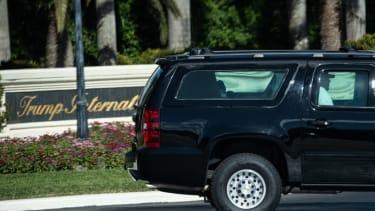 Trump golfs in Florida