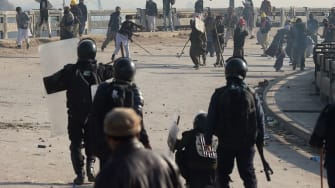 Pakistani troops clash with protesters