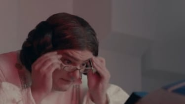 SNL reimagines the new Star Wars trailer with an old, tech-illiterate cast