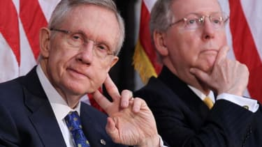 Mitch McConnell, Harry Reid elected as Senate majority and minority leaders