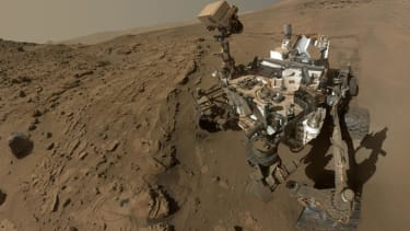 Mars Curiosity rover takes a selfie to mark its first Martian year