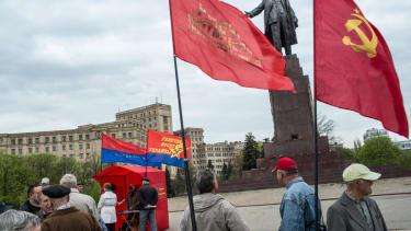 As Ukraine violence escalates, gunmen shoot Kharkiv mayor