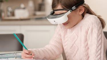 Headset helps blind people see.