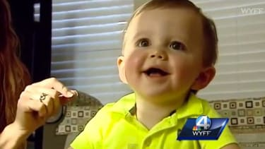 Mailman delivers lifesaving Heimlich maneuver to choking baby