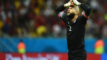 Tim Howard gets snubbed as FIFA announces finalists for Golden Glove award