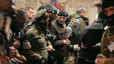 Pro-Russia militants expand control in several Ukrainian cities