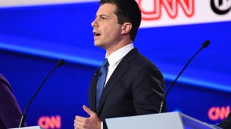 Mayor Pete is having a big night with an unexpected crowd.