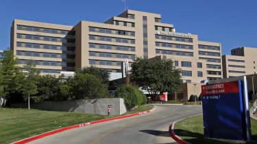 Texas nurse says she can 'no longer defend' hospital's Ebola mishandling