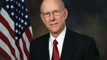 Poll: Senate race up for grabs in solidly Republican Kansas, with a split vote against Pat Roberts