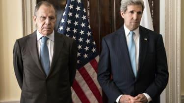 Kerry turns plane around to renew Ukraine talks with Russia