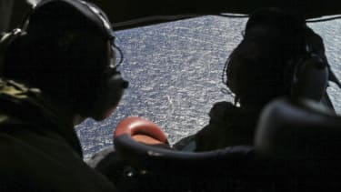 Searchers are racing to determine if faint underwater noises they detected came from Flight 370's black box