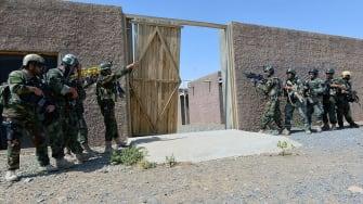 Afghan soldeirs train outside Kandahar