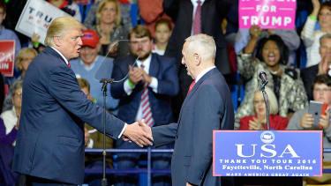 Donald Trump introduces Gen. James Mattis at N.C. rally