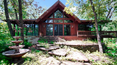 A beautiful home for sale in the Chicago suburbs.