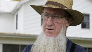 Appeals court overturns convictions in Amish hair hate-crime attacks