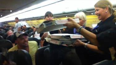 Generous pilot buys pizza for 160 passengers on grounded flight