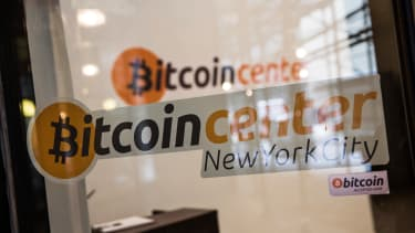 Mt. Gox files for bankruptcy protection, blames hackers for company's collapse