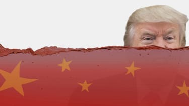 President Trump drowns in China's influence war