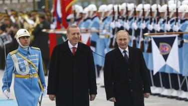 Russia's President Vladimir Putin (R) and Turkey's President Tayyip Erdogan are becoming rather good pals.