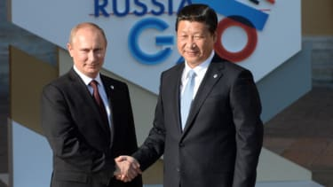 China, Russia agree to $400 billion gas deal