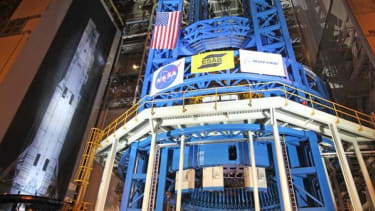 NASA builds the world's largest welder — to construct the world's most powerful rocket