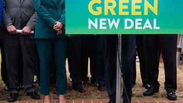 Green New Deal sign.