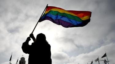 Federal judge strikes down gay marriage ban in Alaska