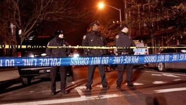 Gunman kills two NYC cops in ambush shooting