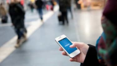 A new Facebook app will help both users and advertisers trying to sell to users.
