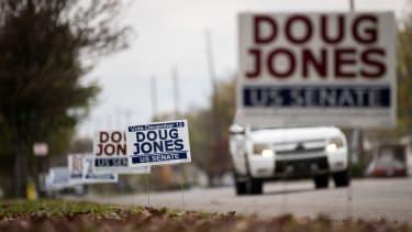 Yard signs for Doug Jones