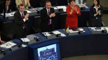 Ukraine's parliament ratifies agreement with EU