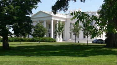 Intruder jumps fence, breaks into White House minutes after Obama departs
