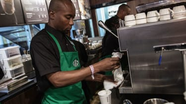 Starbucks might give you a free drink this holiday season