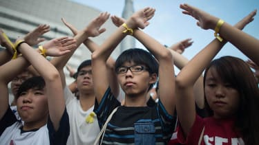 Hong Kong protest leaders will surrender to police