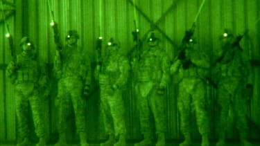 U.S. soldiers train with infrared lasers in 2009.