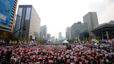 Tens of thousands of protesters demand resignation from South Korean president