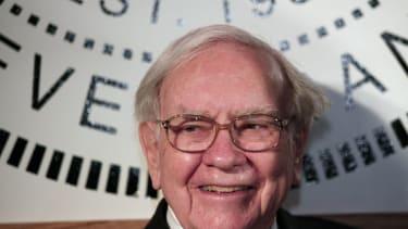 Warren Buffett just keeps getting richer