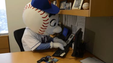 Mr. Met joined Twitter, and he has no clue how to use it