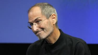 Steve Jobs once dated Joan Baez and Diane Keaton? Interesting new facts about the entrepreneur's personal life are bubbling to the surface in the wake of his death.