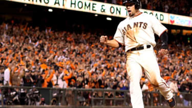 Giants win Game 5 of the World Series, lead Royals 3-2