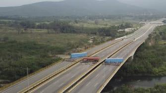 The blocked Tienditas International Bridge.