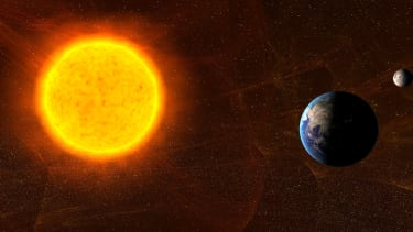 The earth isn't actually getting closer to the sun every year.