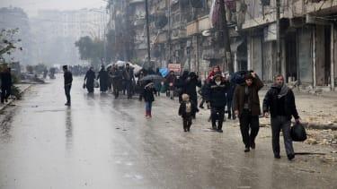 Syrians abandon Aleppo