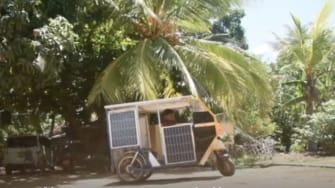 Suntharalingam Piranawan's solar-powered tuk-tuk.