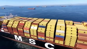 Shipping jam at Los Angeles port