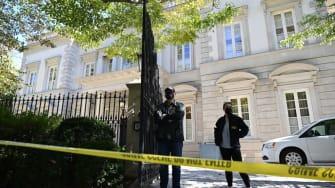 FBI raids Oleg Deripaksa mansion