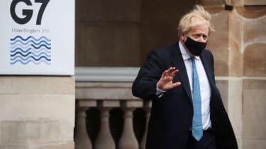 Britain hosts G-7 summits