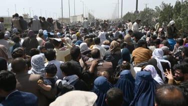 Crowds at Kabul airport.