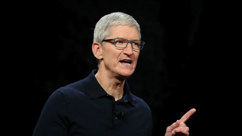 Tim Cook reportedly called Pelosi to 'deliver a warning' about Congress' antitrust bills